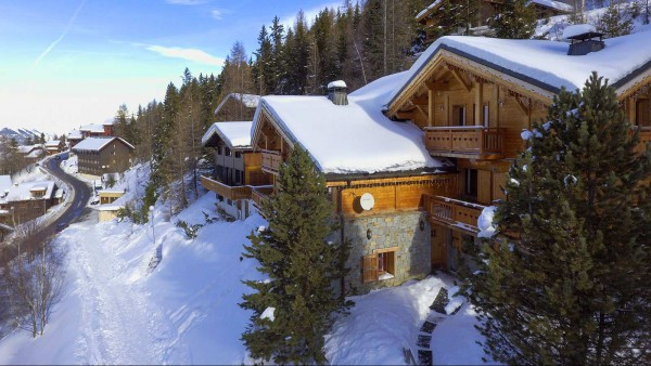Exterior and path, Chalet St Moritz - Ski Chalet in La Plagne, France