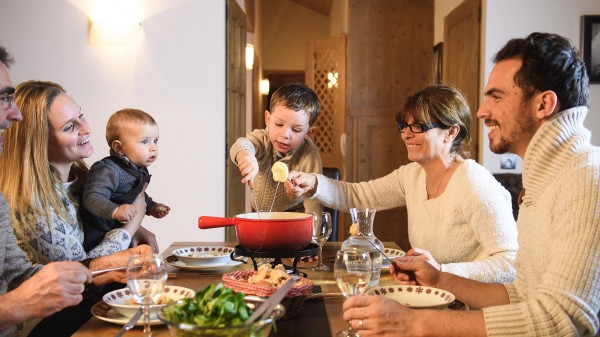 Family cooking at CGH Les Clarines