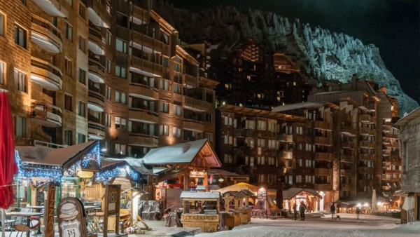 Night Exterior, Residence Les Fontaines Blanches, Avoriaz, France
