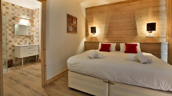 Bedroom - Chalet Hellebore - Ski Chalet in La Plagne, France