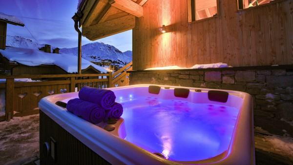 Hot tub - Chalet Campanula - Ski Chalet in La Plagne, France