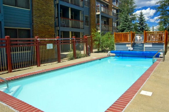 Hotel Condo River Mountain Lodge pool, Breckenridge