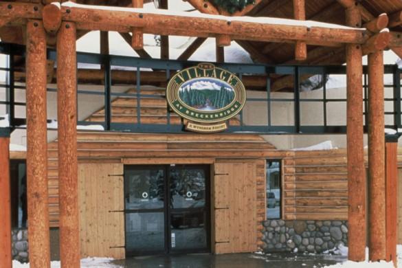 Hotel Condo The Village at Breckenridge entrance, Breckenridge