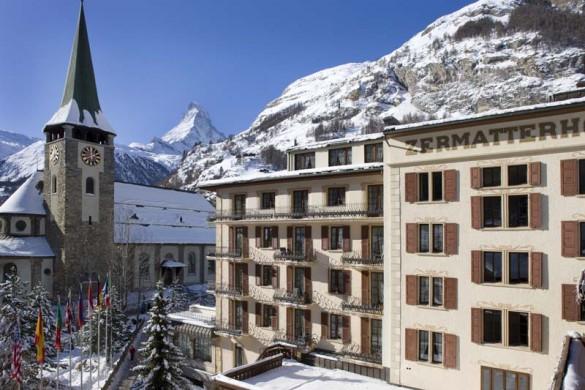 Hotel Zermatterhof, exterior, snowy