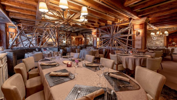 Hotel L'Eterlou, Meribel - Dining