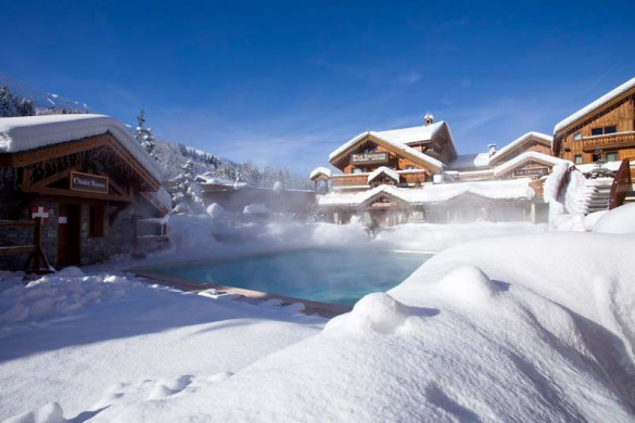 Hotel L'Eterlou - Ski Hotel in Meribel, France