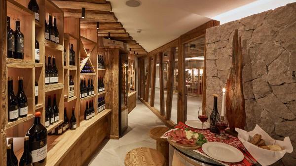 Hotel Mezdi, Corvara and Colfosco - Wine