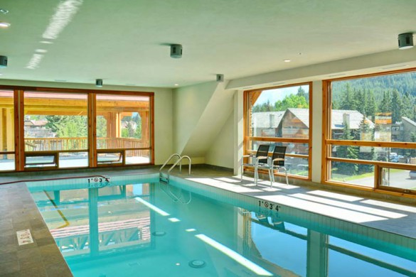 Moose Hotel and Suites, Banff - Pool