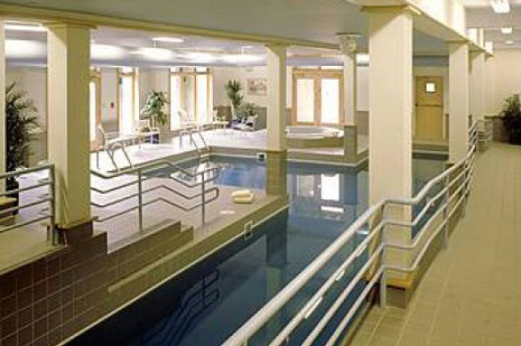 Inn of 6 Mountains swimming pool, Killington