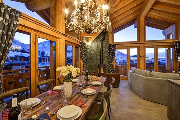 Dining Area - Chalet Iris Bleu - Ski Chalet in La Plagne, France