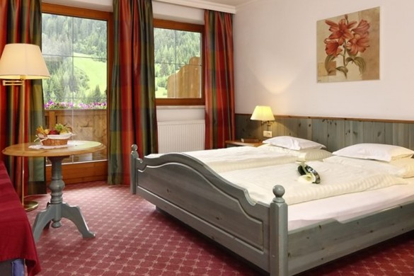 Hotel Kertess, St Anton - bedroom
