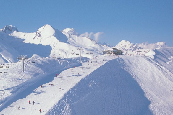 Blue skies and perfect snow on the slopes in La Rosiere