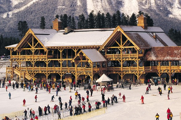 Holidaymakers enjoying the snow in Lake Louise