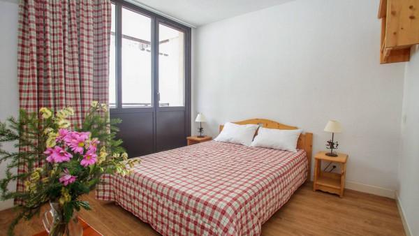 Le Rond Point Des Pistes, Tignes - Apartment - Bedroom