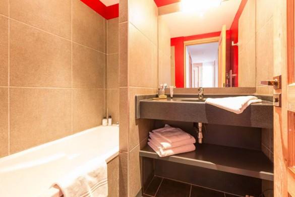 Les Crêts Apartments, Meribel, France, 2 Bedroom, 6 Person Apartment, Bathroom