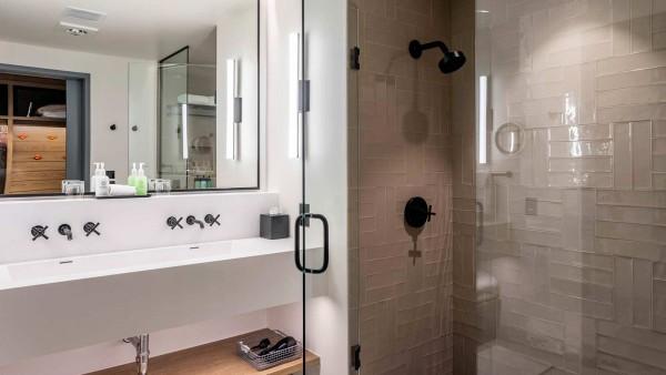 Limelight Snowmass Hotel, Aspen - Bathroom