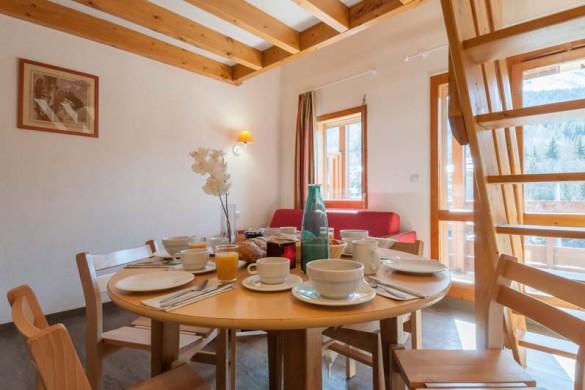 Living area in les Ravines - ski apartment in Meribel, France