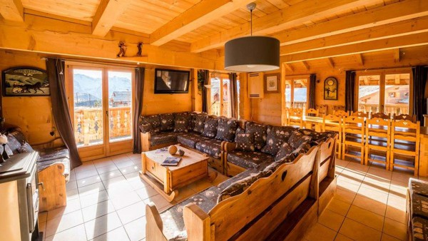 Living and Dining Area - Chalet Louisa - Ski Chalet in Alpe d'Huez, France