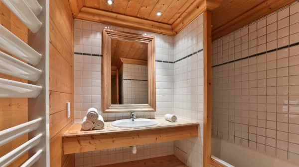 Bathroom, Chalet Maison Rose, Val d'Isere, France