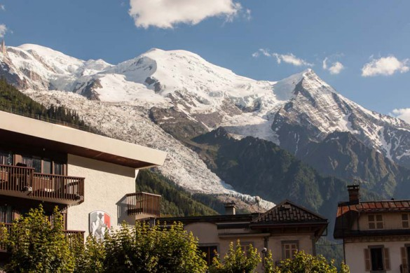 Mountain Exterior of Hotel Pointe Isabelle - Hotel in Chamonix, France