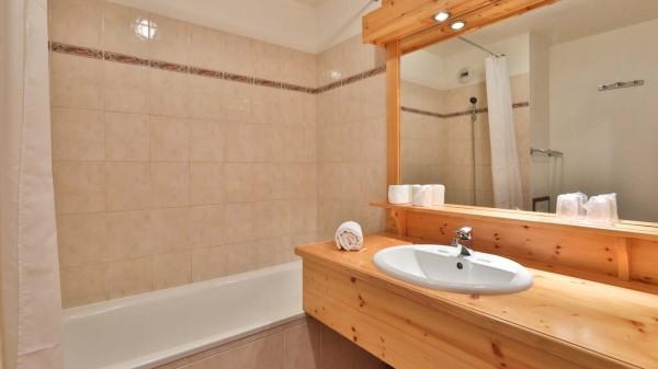 Bathroom, Chalet Natalia II, Meribel Mottaret, France