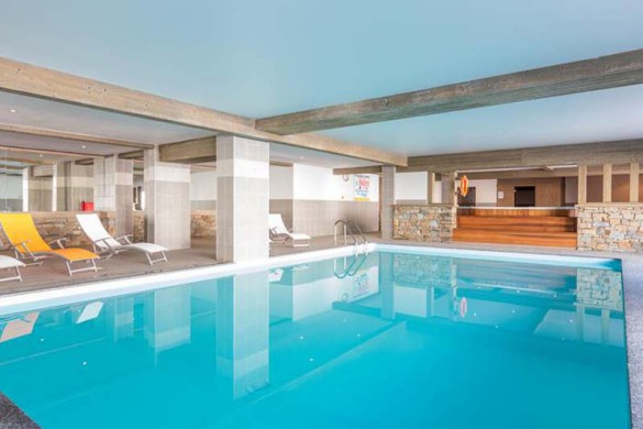 Swimming pool, Residence Le Sun Valley - Self-Catered Ski Apartments in La Plagne, France