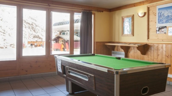 Pool Table, Residence Les Valmonts, Les Menuires, France
