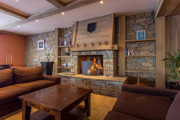Fireplace Lounge Area, Residence Le Sun Valley - Self-Catered Ski Apartments in La Plagne, France