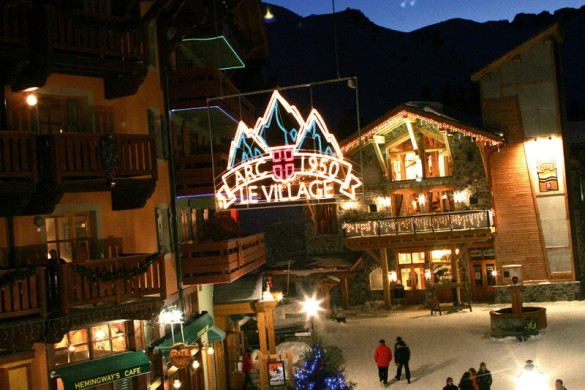 Residence Le Village 1950 ext night, Les Arcs