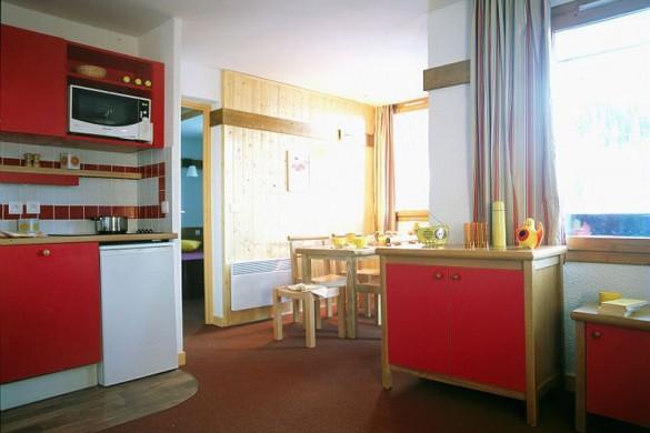 Residence Les Plagne Lauze Apartments kitchen, La Plagne