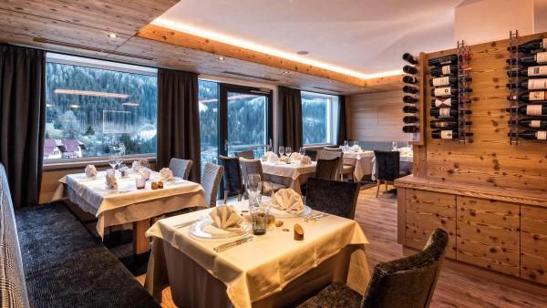 Restaurant- Hotel Interski, Selva Val Gardena, Italy