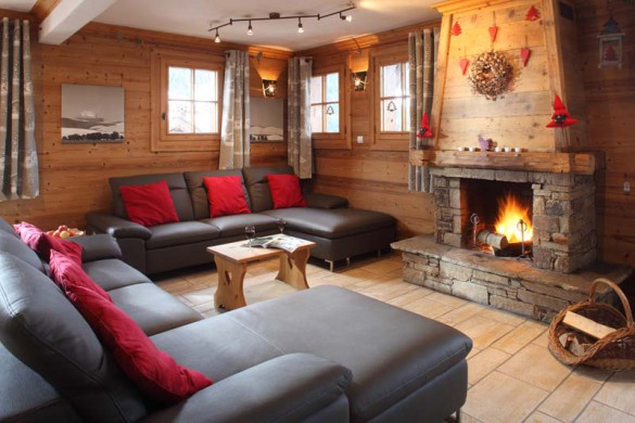 Living Room in Chalet Ours de Neige - Ski Chalet in Courchevel, France