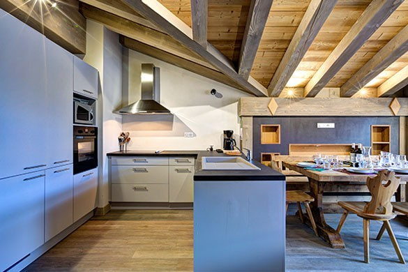 Kitchen - Chalet Sylvie - Ski Chalet in Val d'Isere, France