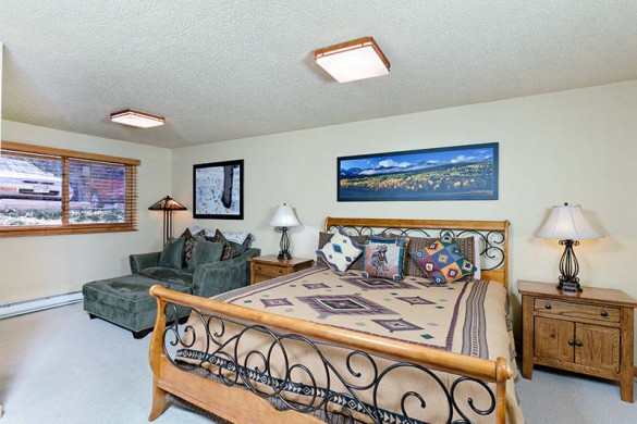 The Crestwood Condominiums, Aspen, USA, Standard Bedroom