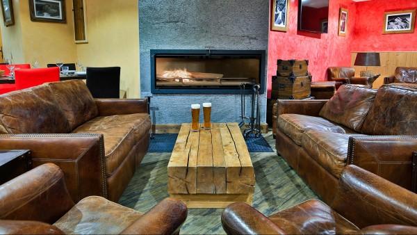 The lodge-bar-lounge-area - (Ski Lodge) The Lodge, Val d'Isere