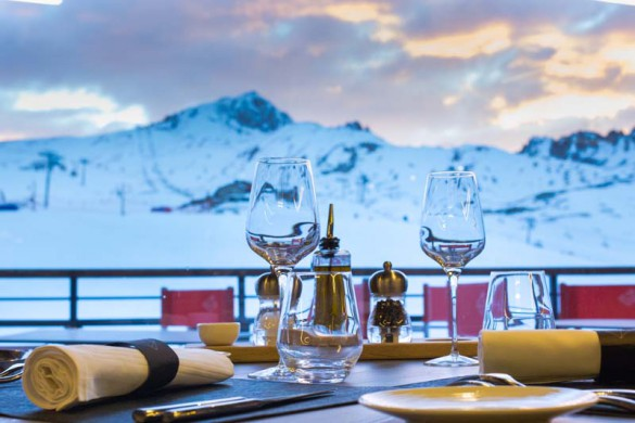 Dinner with a View of the Slopes, Hotel Taj-I-Mah - Ski Hotel in Les Arcs, France