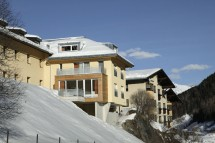 Chalet Altepost ext side, St Anton