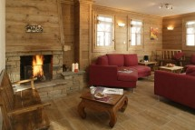 Living Room in Chalet Lapin de Neige - Ski Chalet in Courchevel, France