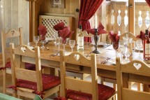 Chalet Tolima table, Val D'Isere