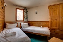 Chalet Aries, Val Thorens, France, Twin Bedroom