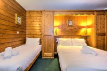 Chalet Leo, Val Thorens, France, Double Room with Extra Bed