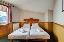 Chalet Poire, Val Thorens, France, Twin Bedroom