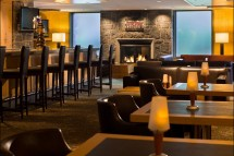Hotel Westin Resort and Spa, Firerock Lounge, Whistler