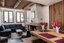 Living and dining room in chalet Bonne Neige - ski chalet in Val d'Isere, France