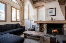 Living area with fire in chalet Bonne Neige - ski chalet in Val d'Isere, France