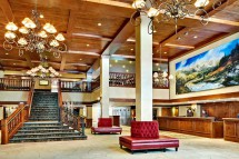 Lobby at the Vail Marriott Mountain Resort - Ski Hotel in Vail, USA