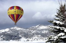 Scenic balloon ride over Steamboat, USA