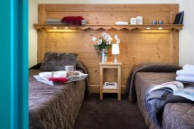 Twin bedroom - Le Cheval Blanc self-catered apartments in Val Thorens, France
