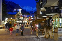 A family evening out in Vail town